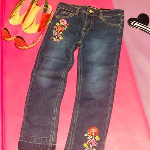 Xoxo Girls Embroidered Flower Stretch Jeans Size 6